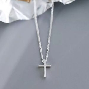cross Pendant necklace. 925 Sterling silver